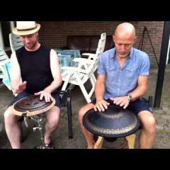 Jamming with Freezbee and Guda Bass Pan. Rob van Barschot & Arie den Boer